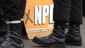 Der Bundestag bremst beim NPD-Verbot