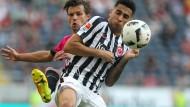 Voller Einsatz für die Eintracht: Gonzales Omar Mascarell am Ball