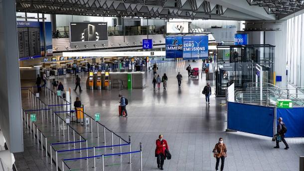 Mehr Flüge, aber wieder weniger Passagiere