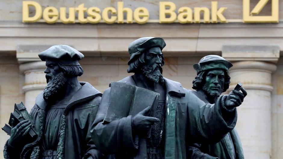 Deutsche-Bank-Chef kündigt Zäsur an