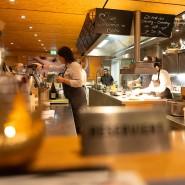Den Köchen bei der Arbeit zusehen: das Bistro im Frischeparadies