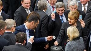 Bundestag schickt bis zu 1200 Soldaten in Syrien-Einsatz