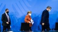 Merkel will das nächste Krisentreffen mit den Ministerpräsidenten vorziehen.