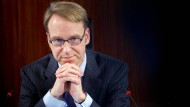 Die EZB-Entscheidung für weitere Anleihekäufe war mit 21 Ja-Stimmen gegen eine einzige Gegenstimme gefallen - die Stimme von Bundesbank-Präsident Jens Weidmann