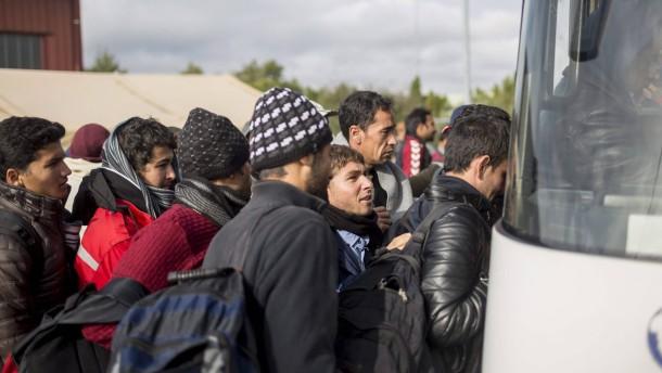 Erste Staus auf der Balkanroute für Flüchtlinge