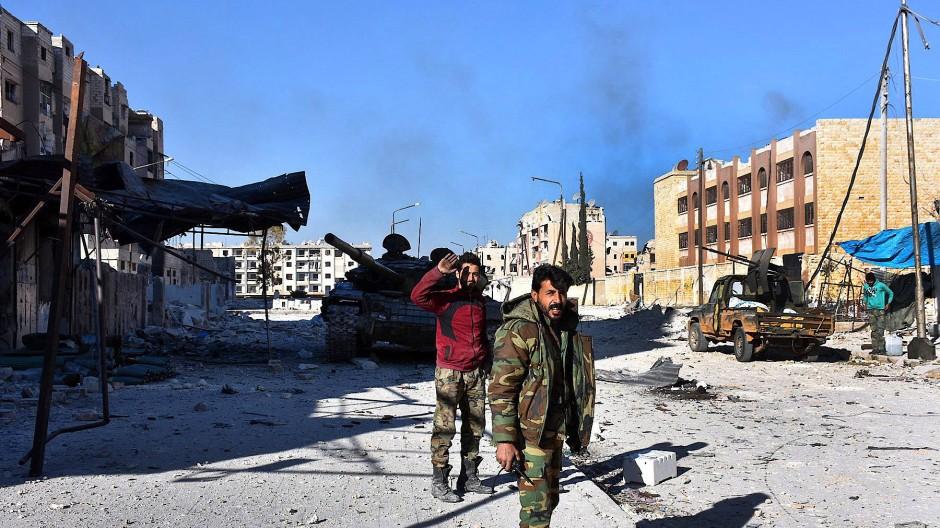 Soldaten der syrischen Armee in Hanano