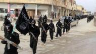 Auf ihren vielen Reisen begegnet Journalistin Souad Mekhennet IS-Kämpfern und Ideologen.
