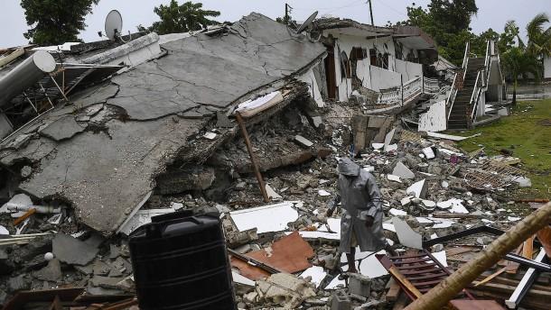 Zahl der Toten in Haiti steigt auf fast 2000