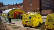 Ein provisorisches Krankenhaus für die Corona-Infizierten in der Stadt Lleida.