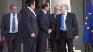 Hollande lobt entschlossenes Vorgehen der Polizei