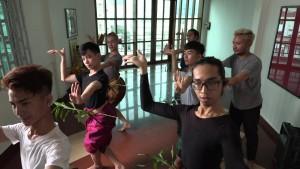 Schwule und Transsexuelle erobern Kambodschas traditionellen Hoftanz
