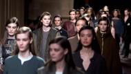 Chefdesigner Christophe Lemaire zeigte in der Pariser Börse seine Kollektion für Hermès.