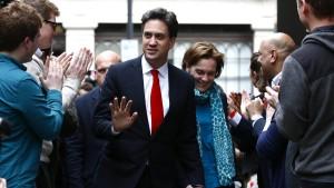 Miliband, Clegg und Farage zurückgetreten