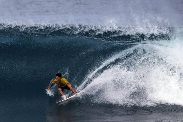 20. Dezember 2014. Gabriel Medina ist der neue Weltmeister der Wellenreiter. Der 20 Jahre alte Brasilianer setzte sich vor Hawaii gegen den dreimaligen Weltmeister Mick Fanning und den elffachen Titelträger Kelly Slater durch.