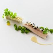 Michael Simon Reis serviert die typische Bayerwaldküche, die er behutsam modernisiert, variiert und nobilitiert.