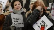 Flüchtlinge und Berliner singen gegen den Hass
