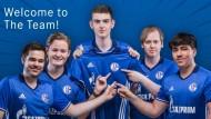 Die neuen Schalker Hoffnungsträger? Ein eSport-Team in königsblau