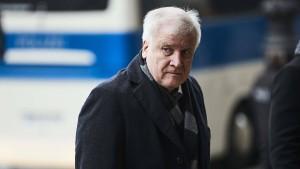 Seehofer fordert Ende der Sanktionen gegen Russland