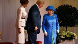 Trump lässt die Queen ein wenig warten