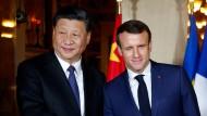 Europa balanciert, Macron zwinkert.