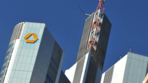 Commerzbank will noch mehr sparen