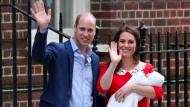 Kurz nach der Geburt ganz knitterfrei: Prinz William und Kate Middleton mit ihrem dritten Kind in London