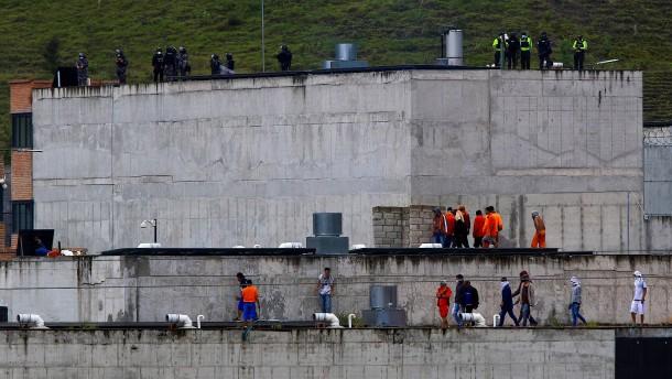 Über 60 Tote bei Gefängnismeutereien in Ecuador