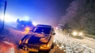 Tote und Verletzte auf verschneiten Straßen