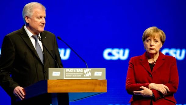 Seehofer rechtfertigt Affront gegen Merkel