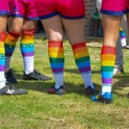 """Hingucker: Regenbogenfarbene Socken stehen bei diesem Rugbyteam für Vielfalt beim """"LGBT Pride month"""" im Juni in Buenos Aires."""