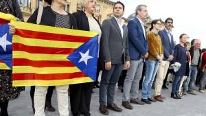 Katalanische Politiker weiter in Haft