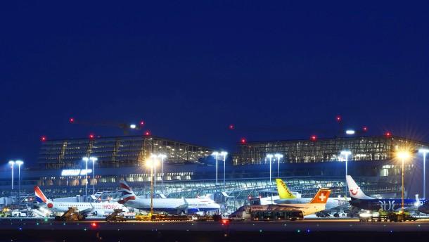 Flugreisende randaliert wegen Schampus-Entzugs