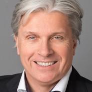 """Michael Hierholzer - Portraitaufnahme für das Blaue Buch """"Die Redaktion stellt sich vor"""" der Frankfurter Allgemeinen Zeitung"""