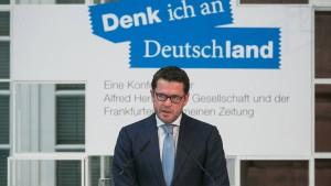 Guttenberg gesteht gravierende Fehler ein