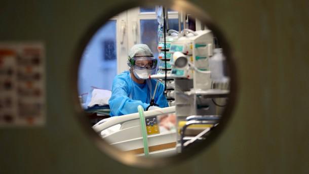 Intensivmediziner drängen auf Verlängerung des Lockdowns