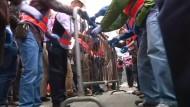 Polizei beginnt mit Räumung der Barrikaden in Hongkong