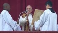 Papst spendet traditionellen Weihnachtssegen