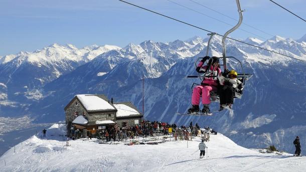 Der Milliardär und sein Skidorf