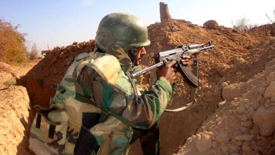 Syrische Soldaten kämpfen Auge in Auge mit dem IS