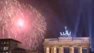 Hunderttausende feiern am Brandenburger Tor