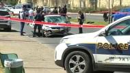 Autofahrer rast in Menschengruppe