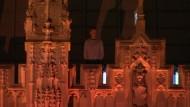 Mann verbringt die Nacht auf dem Dach des Westminster-Palace