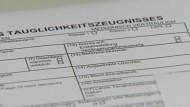 Berliner Flugarzt: Gesundheits-Kontrollen für Piloten sind ausreichend
