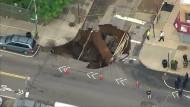 Straße in New York eingestürzt