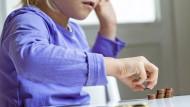 In der Kindheit sollte man lernen, mit Geld umzugehen – das Konzept Taschengeld kann dabei helfen.
