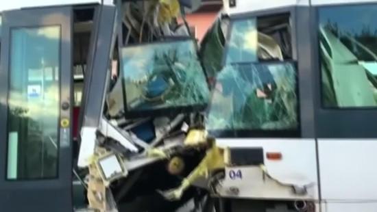 Mindestens 30 Verletzte bei Tram-Crash auf Sardinien