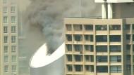 Dichter Rauch über Hochhaus in Sydney