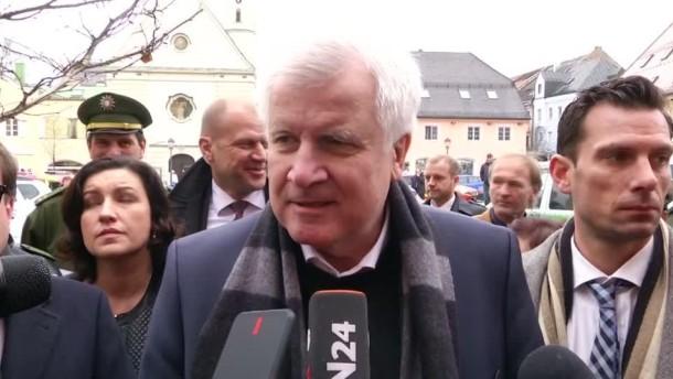 Seehofer äußert sich zum Zugunglück bei Bad Aibling