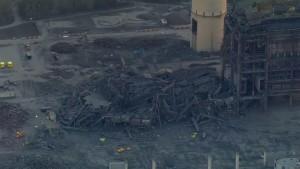 Kraftwerk stürzt ein - mindestens ein Toter