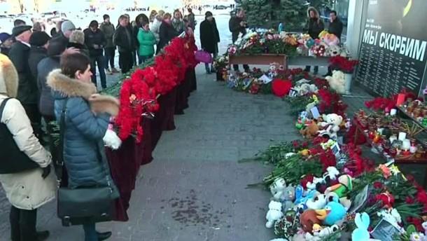 Russland trauert um 62 Tote bei Flugzeugabsturz
